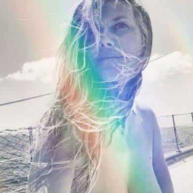 """Хайди Клум показала свою прекрасную грудь, за что удостоилась диагноза """"кризис среднего возраста"""""""