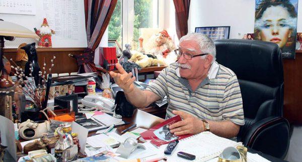 Зачем Цымбалюк понадобилось публиковать фото с Арменом Джигарханяном?