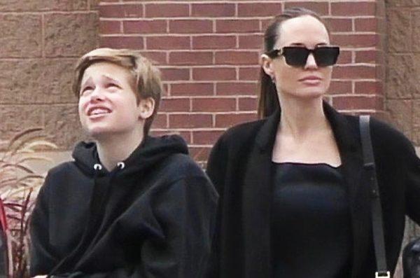 Шайло довелa до слез Джоли и уехала к папе