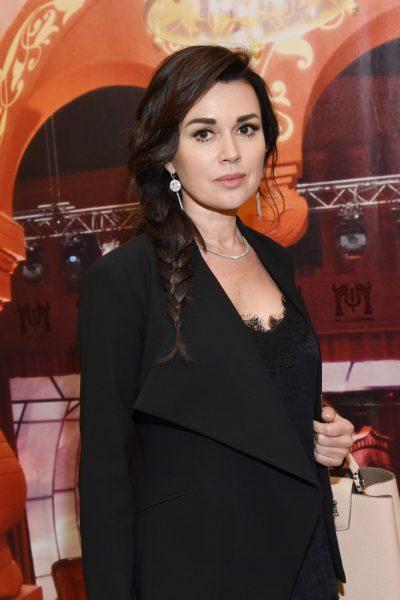 Телеведущая рассказала, на что жаловалась Заворотнюк в Армении