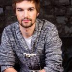 Страстен всегда, страстен во всем: Ботвиновский вырвал дверь такси в приступе гнева