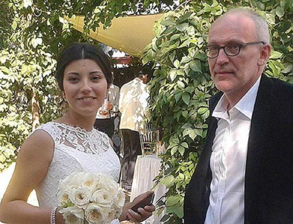 Жена-таджичка Гордона возмутилась проявленной по отношению к ней расовой дискриминацией