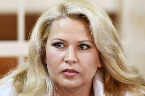 Евгения Васильева и Анатолий Сердюков растят троих детей