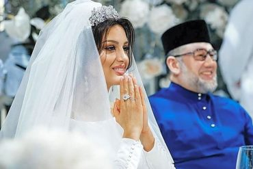 Мухаммад V выступил с заявлением: Он сожалеет о браке с Оксаной
