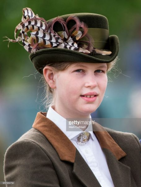 Стало известно, какого внука Елизавета II любит больше остальных