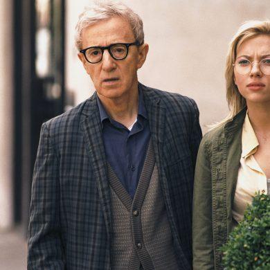 Скарлетт Йоханссон поддержала Вуди Аллена после секс-скандала, чем удостоилась гневного осуждения его приемной дочери