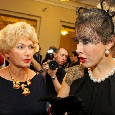 """Людмила Нарусова: """"Как увидела катафалк, подумала - вот щас меня в него уложат и повезут!"""""""