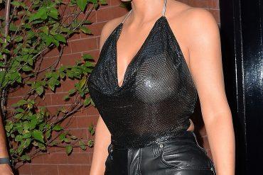 Вид Ким Кардашьян заставил покраснеть зевак
