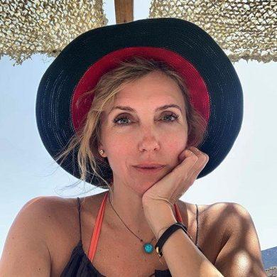 """Светлана Бондарчук натянула презерватив на шампанское: """"Чтоб газики не выходили"""""""