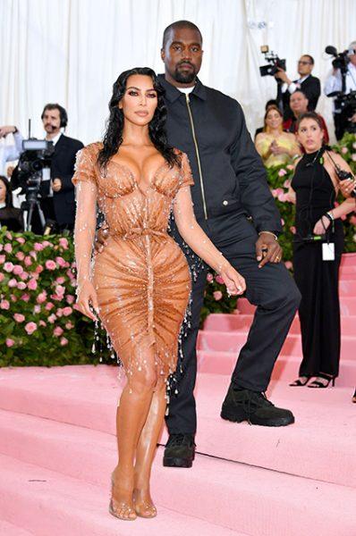 Канье Уэсту не понравилось сексуальное платье жены