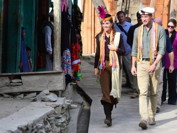 Кейт и Уильям побывали у калашей - индоевропейцев в пакистанском мире