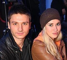 СМИ написали, кто она - мама детей Лазарева
