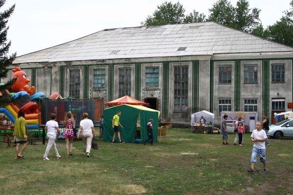 Федор Смолов отремонтировал Дом культуры на Алтае - реализовал альтернативу идиотскому смс Нагиеву