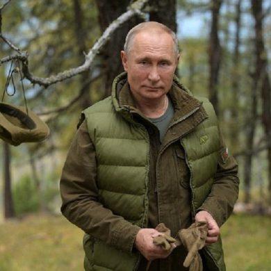 """Путин случайно разрекламировал бренд """"Армия России"""" и пообещал таежный воздух в Москве"""
