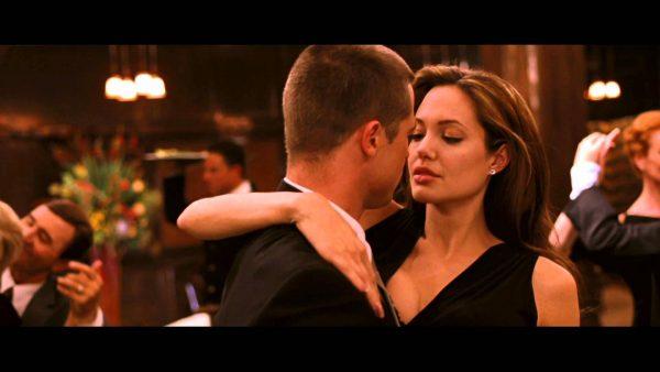 Влюбленный Брэд Питт передавал Джоли пикантные записки прямо на съемочной площадке