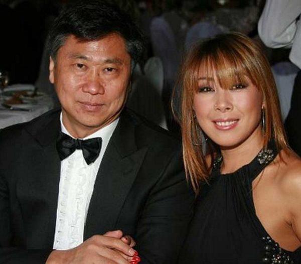 """Анита Цой застряла в лифте с мужем.. на 2 часа: """"Такой приятный мужчина, оказывается"""""""