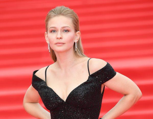 Читатели назвали самую красивую актрису российского кинематографа