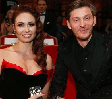"""Муж Ляйсан Утяшевой хочет третьего ребенка только из-за """"сисек"""""""