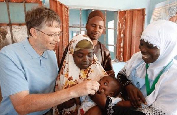 Зачем Биллу Гейтсу понадобилось вакцинировать весь мир?