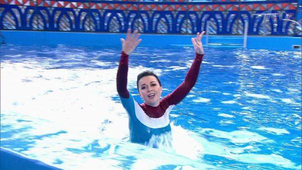 Заворотнюк плавала в бассейне