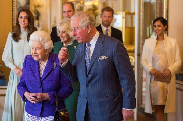 """Ургант: """"Подкаблучник принц Гарри отречется от престола в пользу Меган, в итоге корона достанется геям"""""""