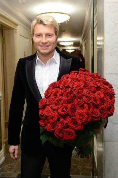 """Никому не досталось столько цветов и оваций, сколько Баскову: """"Помогите!"""""""