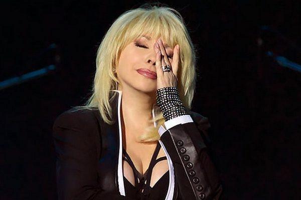 Менеджер Аллегровой послал журналиста на три буквы в ответ на просьбу пояснить причину отмены концертов