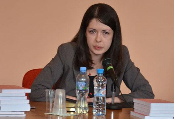 Борис Корчевников в грядущем году женится на Елене Жосул