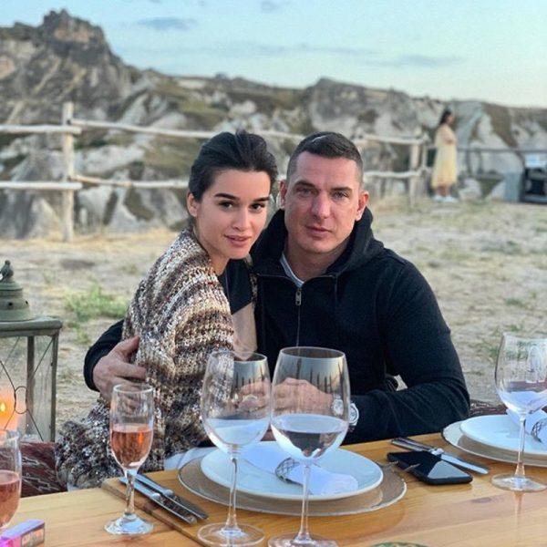 Михаил Терехин не боится флиртовать с замужней Ксенией Бородиной, дочерью армянского авторитета
