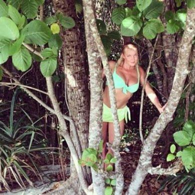 Мужчина Волочковой подарил ей отдых на необитаемом острове с дельфинами