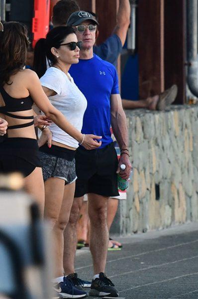 Сияющая Даша Жукова, Джефф Безос и Лорен Санчес на острове миллионеров