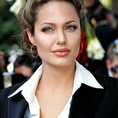 """Анджелина Джоли: """"Я выгляжу как смешная кукла"""""""