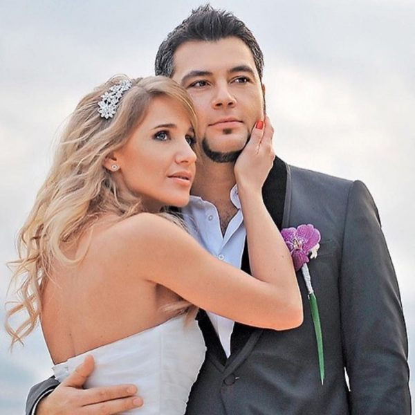 Юлия Ковальчук рассыпалась в комплиментах мужу подруги