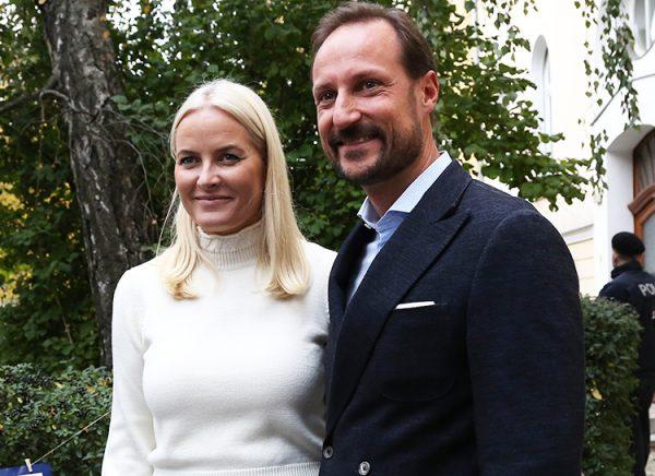 Добропорядочная норвежская принцесса Метте-Марит оказалась замешанной в секс-скандал с Джефри Эпштейном