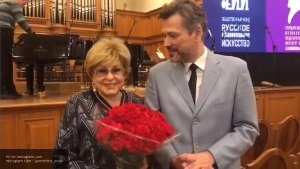 Ангелина Вовк не выйдет замуж за любовника, поскольку он маменькин сынок