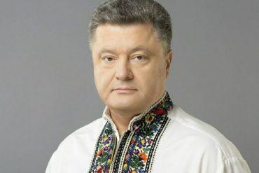 """Не успел сказать """"Слава Украине"""", как в него полетели яйца (видео)"""