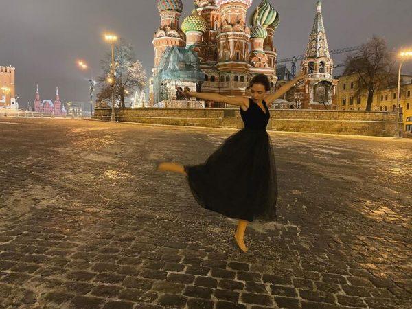 Петров опубликовал фото ног Стаси Милославской