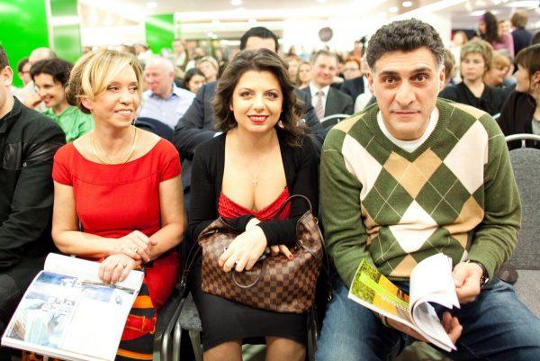 Подписчики Маргариты Симоньян раскритиковали Хмельницкую за фото молодого полуобнаженного Тиграна