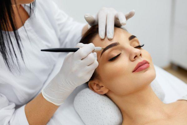 Что такое перманентный макияж, в чем его особенности