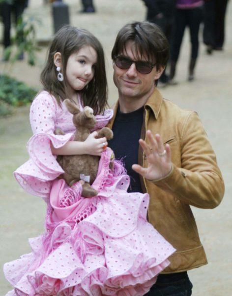 Том Круз намерен забрать дочь