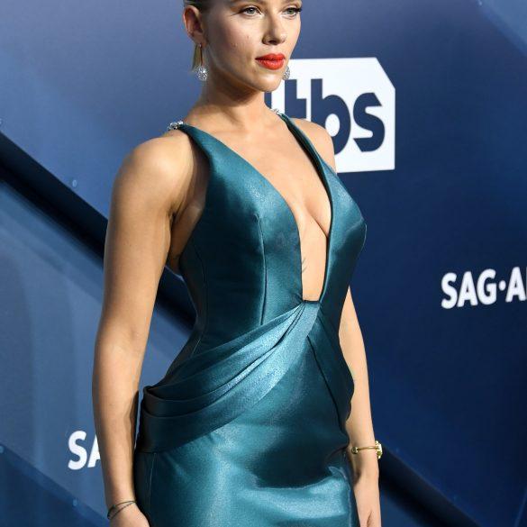 Скарлетт и Шарлиз, вы нас разочаровали - наряды на SAG Awards 2020