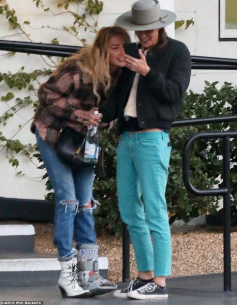 У них и у нас: Эмбер Херд встречается с онкобольной девушкой - Семья Заворотнюк не говорит, что с актрисой