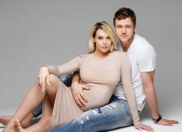 Сегодня утром экс-жена Рыжего Иванушки родила сына