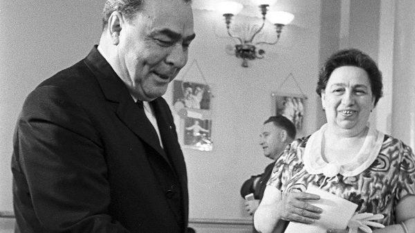"""""""Если б не ты и принц Филипп, я бы женился на Елизавете"""" - Все женщины Леонида Брежнева"""