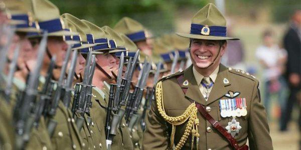 Гарри лишили воинских званий - Это не бесчестье, это устав