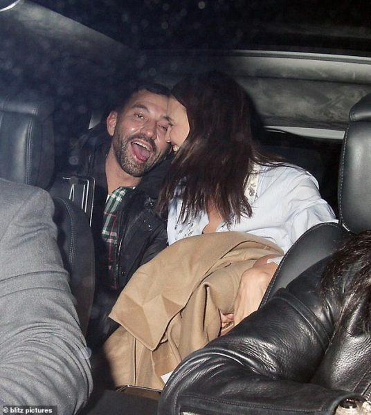 Папрацци засняли милые обнимашки Ирины Шейк с другом в машине