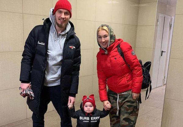 Леру Кудрявцеву разозлили вопросы о ребенке, оставленном в детдоме