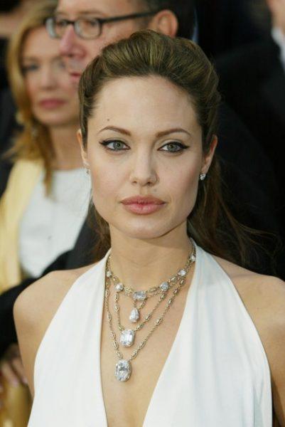 """""""Греческая богиня"""" - Образ Джоли признали лучшим за всю историю """"Оскара"""""""