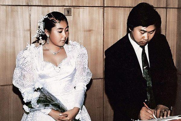 """""""Ой, не будет счастья моему сыну"""" - Плакала свекровь Аниты Цой на их свадьбе"""