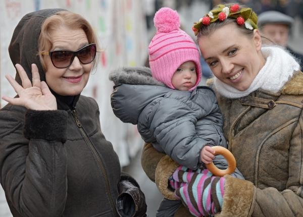 12-летнюю внучку Ирины Алферовой обидела паникующая дама в супермаркете